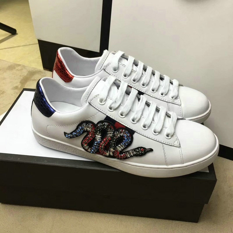 7ac3be6d0a gucci sneakers chaussures femmes taille 36-44 snake side de <GUCCI ...