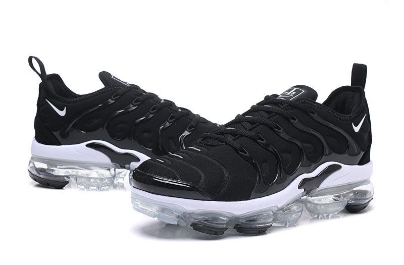 5daaeb4f12 nike vapormax plus tn requin hybrid sneaker black white