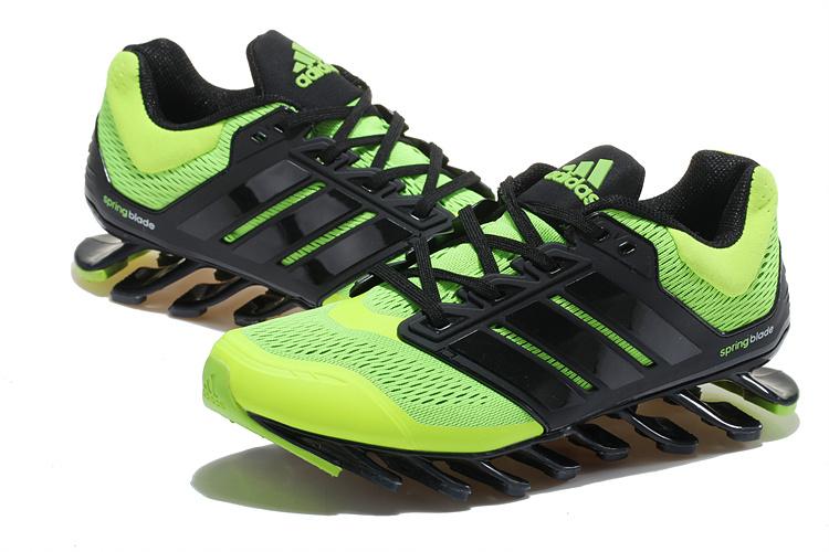 fcbe4002108e adidas Springblade EForce Chaussures de Course Pour Homme Vert Vert ...