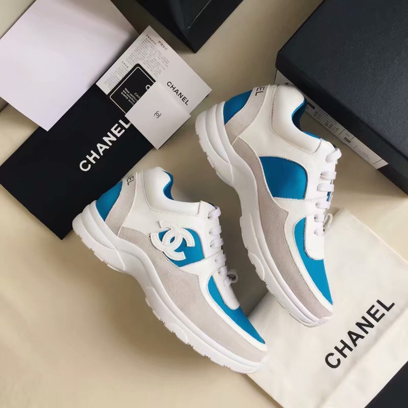 chaussures de luxe chanel femme tendance blanc de  CHANEL chaussures ... 8f438840ad0