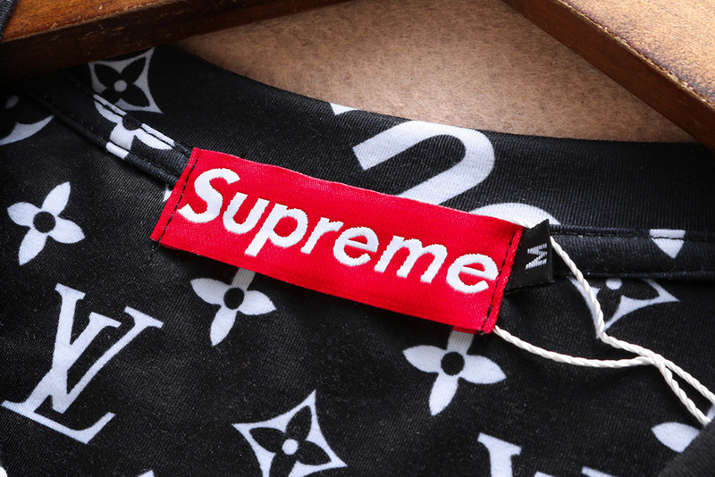7e78478994cf louis vuitton casual t-shirt hommes noir supreme dog
