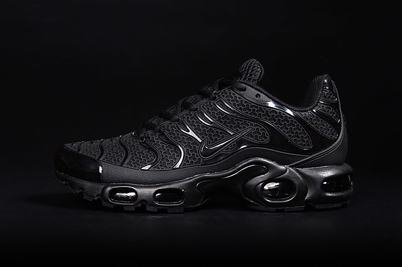 timeless design af2eb 9eead hommes basket nike requin air max tn black edition