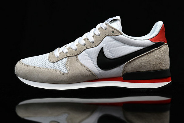 running nike internationalist mid qs hommes gray